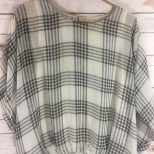 Vince Camuto Black and White Top Small
